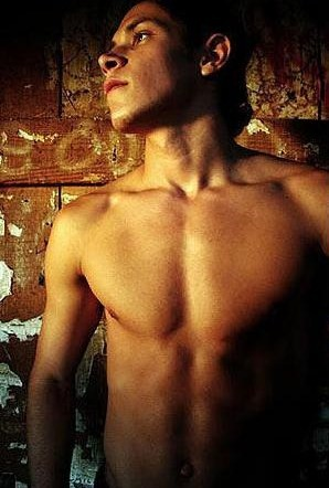 Alex Meraz (Celebuzz Breakdowns 7 Things About Him)
